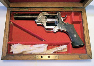 A cased .320 six shot revolver 'Hill's Patent Extractor' model.